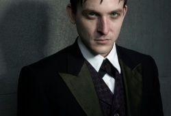 Робин Тейлор в образе Освальда Кобблпота Robin Lord Taylor as Oswald Cobblepot